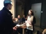 Jordi Pons entrega el 1r premi a Èrika Mozo